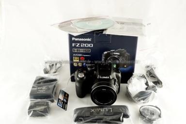 Test Du Panasonic Lumix Fz200 Prise En Main Ergonomie